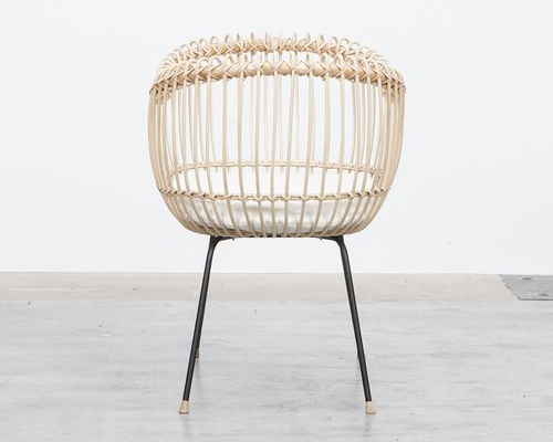 Babycrib Lola: Modern Rattan Baby Crib with Metal Stand by Bermbach Handcrafted