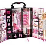 Barbie Fashionista Ultimate Closet : Dress Barbie to Get Ready for Her Fabulous Journey