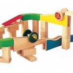 PlanToys Build-n-Spin : A Perfect Way to Keep Your Child Engaged