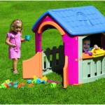 Workshop Playhouse to Keep Your Children Busy With Their Friends