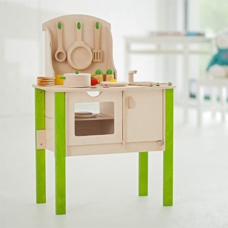 Creative cookery set allows your kids to play various imaginary