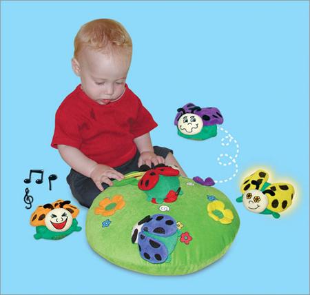 edushape-hug-a-bug-baby-toy-set2
