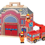Set The Fire Engine Ready and Call Out The Firefighters From Inside Folding Fire Station!