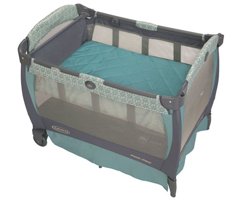 Graco Pack n Play Playard with Cuddle Cove Rocking Seat