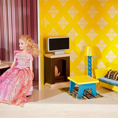 Let Your Kids Have Great Fun And Boost Their Creativity With So Chic Dollhouse
