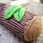 Little Rattle Log - A Smart Unisex Baby Gift