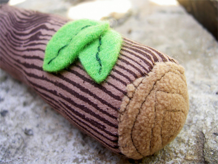 Little Rattle Log - A Smart Unisex Baby Gift
