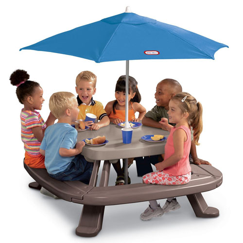 Fold 'n Store Picnic Table with Market Umbrella by Little Tikes
