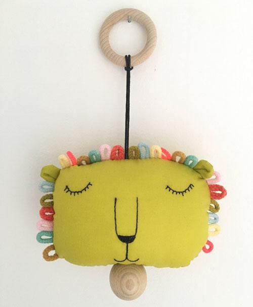 Musical Pull String Crib Toy Lion by sternwerk