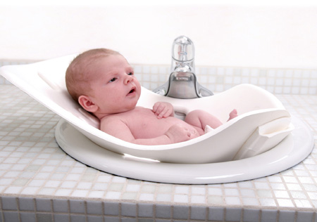 Puj Tub The Soft And Foldable Baby Bath Tub Modern Baby