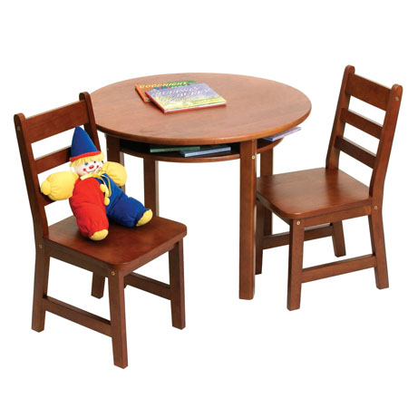 Round Table And Chair Set Ensures Complete Pleasure To