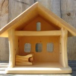 Small Wooden Barn Can Conveniently House all Your Kid's Animal Friends