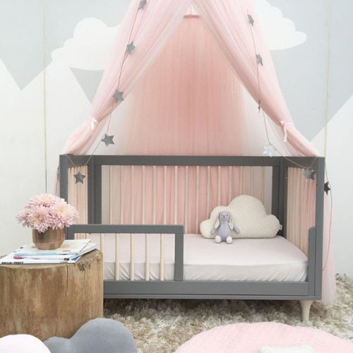 Protect Your Baby with Stylish Baby Mosquito Net with Star and Crown Decor During Mosquito Season
