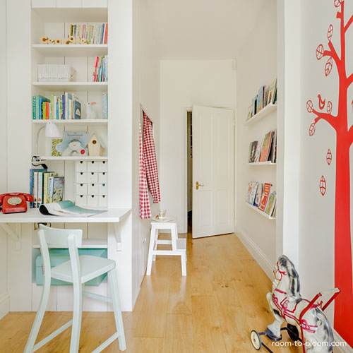 Cabin style room by Room to Bloom