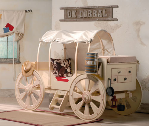 Chuckwagon bedroom by Thinkterior