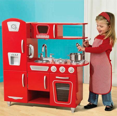 Vintage play kitchen gives a wide range of imaginary - Cuisine bois enfant kidkraft ...
